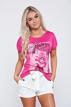 Pink pamutból készült hétköznapi póló nyomtatott mintával