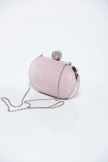 6c0f70b87343 Világos rózsaszín táska fémes kiegészítő csillogó díszítések - Táskák