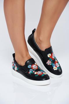 Fekete hétköznapi sport cipő hímzett betétekkel