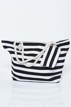 Fekete táska vízszintes csíkok strandi