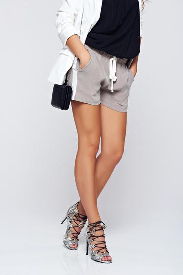 Szürke PrettyGirl hétköznapi derékban rugalmas zsebes rövidnadrág