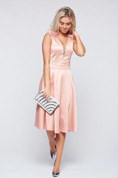 Rózsaszínű LaDonna alkalmi harang alakú ruha szatén anyagból