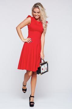 Piros Fofy harang alakú ruha fodrozott ujjakkal