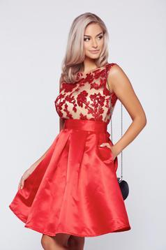 Piros Fofy alkalmi zsebes ruha szatén anyagból