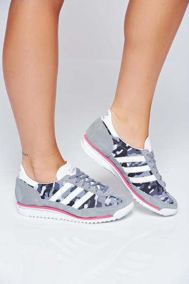 Szürke Adidas originals hétköznapi sport cipő nyomtatott mintával