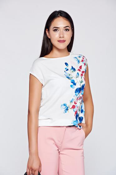 Fehér Top Secret póló hétköznapi bő szabású virágmintás díszítéssel