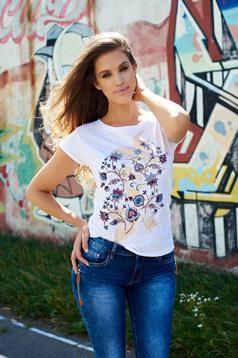 Fehér Top Secret póló hétköznapi pamutból készült virágmintás