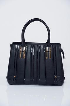 Fekete táska irodai fémes kiegészítő