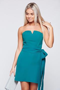 Zöld Ana Radu alkalmi ruha rövid övvel ellátva