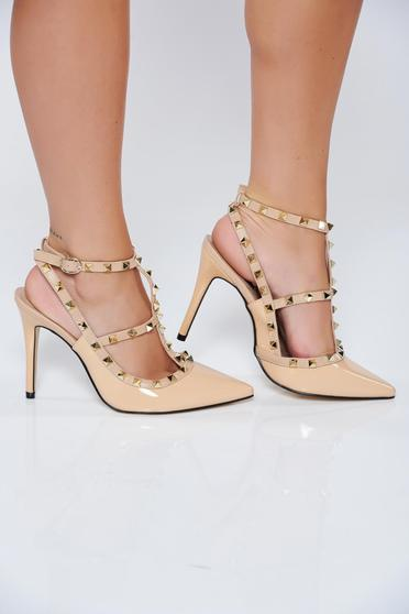 Elegáns lakkozott krém cipő vékony pántokkal