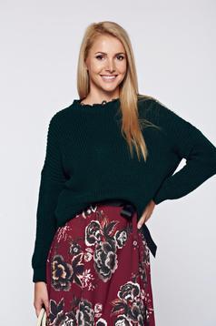Zöld hétköznapi kötött pulóver kivágott szegély