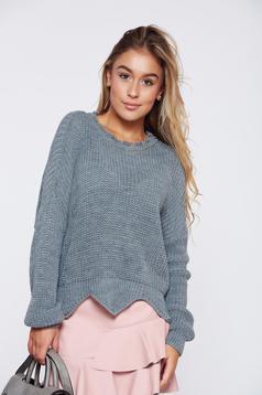 Szürke hétköznapi kötött pulóver kivágott szegély