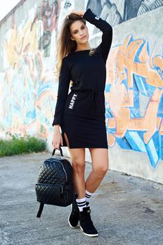 Bő szabású pamutból készült hétköznapi fekete ruha