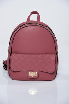 Rózsaszínű hátizsákok fémes kiegészítő műbőr