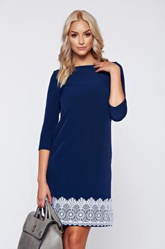 Kék StarShinerS bő szabású irodai ruha csipke díszítéssel