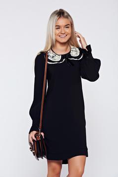 Fekete LaDonna elegáns bő szabású ruha eltávolítható gallér