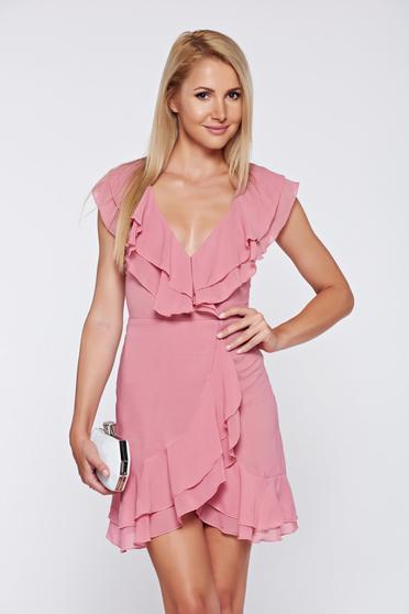 Rózsaszínű elegáns ruha fátyol anyagból dekoltázzsal