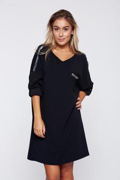 Fekete bő szabású hétköznapi ruha