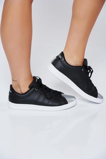 Fekete Adidas hétköznapi sport cipő fémes jellegű orral