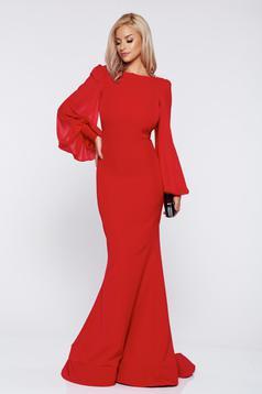 Piros Ana Radu alkalmi ruha fátyol újjakkal