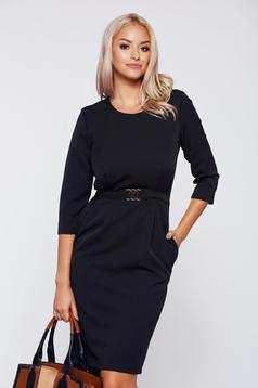 Fekete PrettyGirl ruha irodai fémes kiegészítő