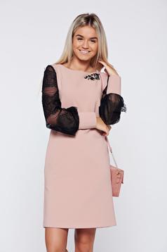 Rózsaszínű bő szabás LaDonna elegáns ruha csipke ujj