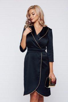 Fekete StarShinerS elegáns irodai átfedéses ruha szatén anyagból