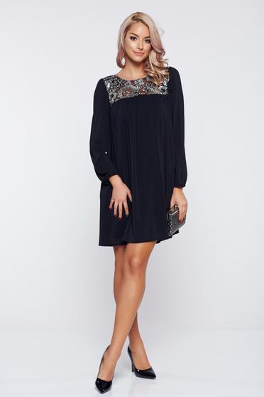 Fekete StarShinerS bő szabású hosszú ujjú estélyi ruha