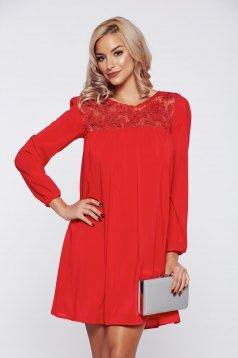 Piros StarShinerS bő szabású alkalmi ruha flitteres díszítéssel