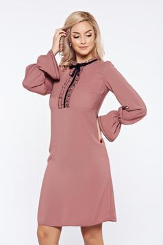 Rózsaszínű LaDonna elegáns irodai ruha fodrozott ujjakkal