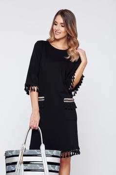 Fekete LaDonna elegáns hétköznapi ruha bojtos