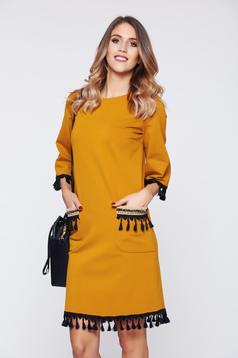 Sárga LaDonna elegáns hétköznapi ruha bojtokkal