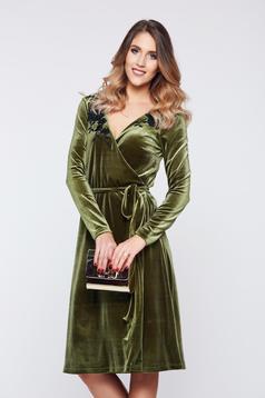 Zöld LaDonna alkalmi átfedéses bársony ruha virágos díszek