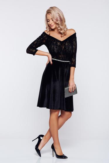 Fekete alkalmi StarShinerS bársony ruha