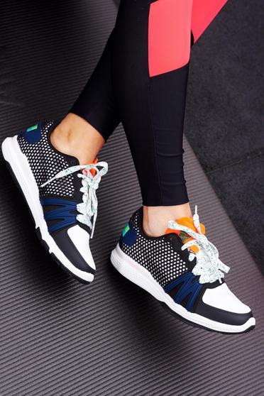 Fekete Adidas hétköznapi sport cipő stellasport a talp nagyon könnyű