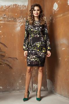 Fekete PrettyGirl ruha ceruza virágmintás díszítéssel