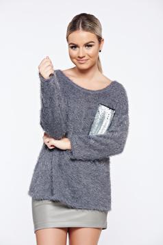 Szürke hétköznapi kötött pulóver flitteres díszítés