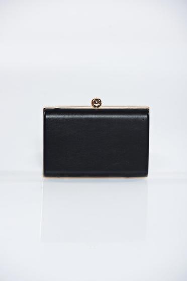 Fekete alkalmi táska fémes kiegészítő
