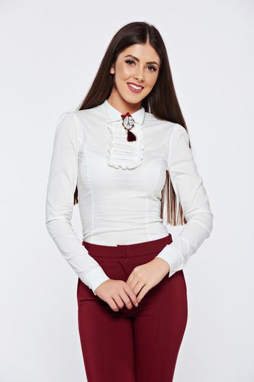 Fehér Fofy irodai pamutból készült női ing bross kiegészítővel