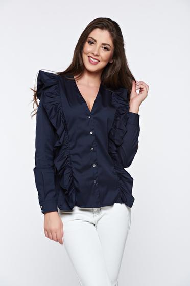 Sötétkék PrettyGirl irodai pamutból készült női ing fodrok a mellrészen