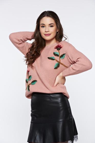 Rózsaszínű hétköznapi bő szabású kötött pulóver virágos díszek