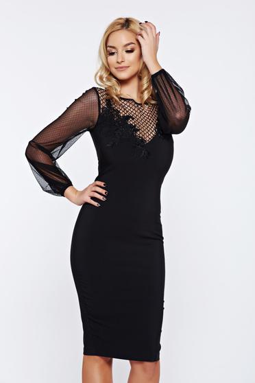 Fekete LaDonna alkalmi ruha fátyol újjakkal