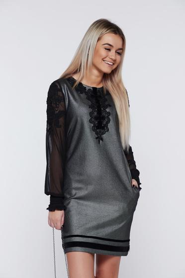 Fekete alkalmi hímzett a-vonalú LaDonna ruha