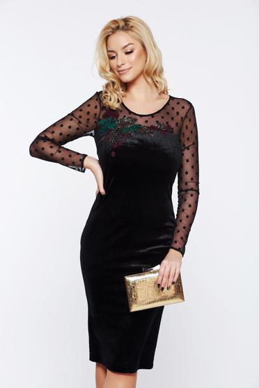 Fekete LaDonna alkalmi bársony hímzett ceruza ruha