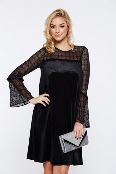 Fekete LaDonna alkalmi bő szabású bársony ruha fátyol újjakkal