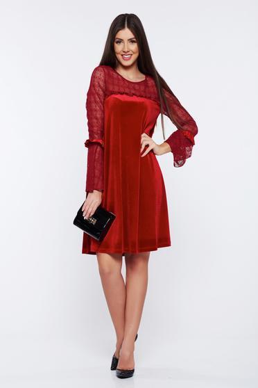 Piros LaDonna alkalmi bő szabású bársony ruha fátyol újjakkal