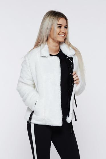 Fehér Ocassion szőrme cipzáros zsebekkel belső béléssel