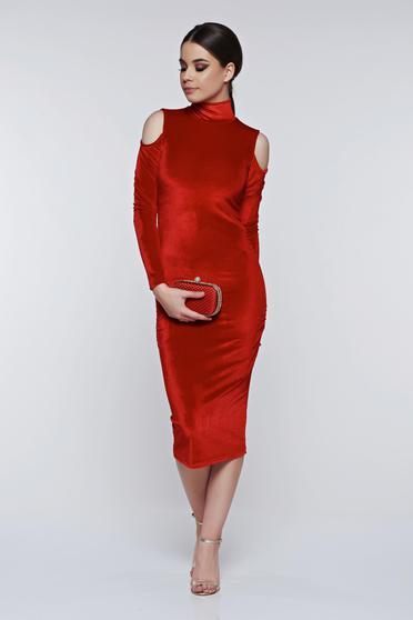 Piros PrettyGirl elegáns bársony ceruza ruha kivágott vállrésszel