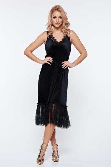 Fekete Ana Radu bársony alkalmi ruha csipke díszítéssel