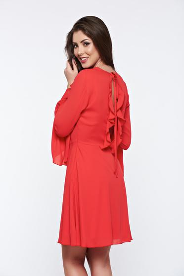 Piros PrettyGirl ruha fátyol anyag teljesen kivágott hátrésszel harang ujjakkal